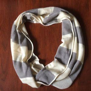Lululemon Infinity Scarf - never worn